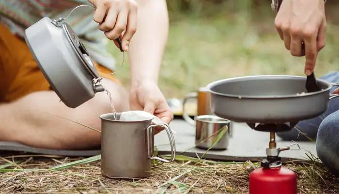 camping cookware using and cleaning tips