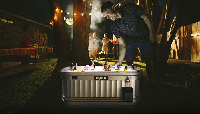 how to choose a camping cooler