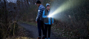 headlamp-or-flashlight-featured-image