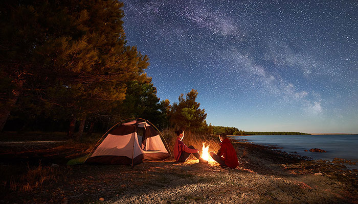 night-camping-in-the-nature